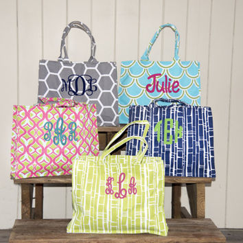 Monogrammed beach bag - monogram bag - bridesmaid bags - personalized tote- bridesmaid tote bags - monogrammed beach bag