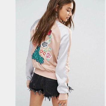 Harajuku Animal Peacock Flower Embroidery Jacket Women Contrast color Sleeve Bomber Jacket Coat Pilots Couple Outerwear