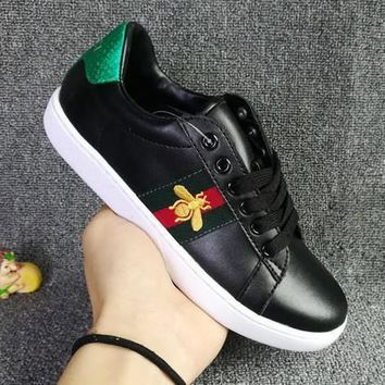 Trendsetter GUCCI Woman Men Embroidery Little Bee Fashion Flats Shoes Sneakers Sport S