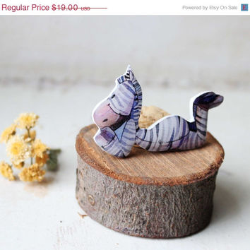 CHRISTMAS SALE Free shipping Zebra brooch pin Zebra jewelry animal brooch pin animal jewelry gifts under 25 (0124)