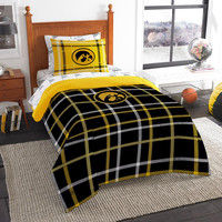 Iowa Hawkeyes NCAA Twin Comforter Bed in a Bag (Soft & Cozy) (64in x 86in)