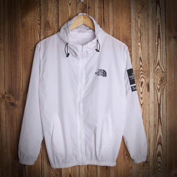 Trendy Unisex Lover's The North Face Sports Coat Windbreaker