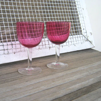 Set of 4 Ruby Red & Rose Red Wine Glasses - Small, Bell-Shaped Vintage Red Colored Wine Goblets; Perfect for Toasting - Holiday Wine Glasses