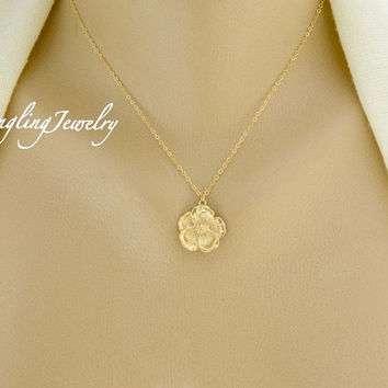 GOLD Magnolia Necklace, Flower Pendant Necklace, Mother Jewelry, Mother Necklace, Wedding Jewelry, Bridesmaid Necklace, Bridesmaid Gift