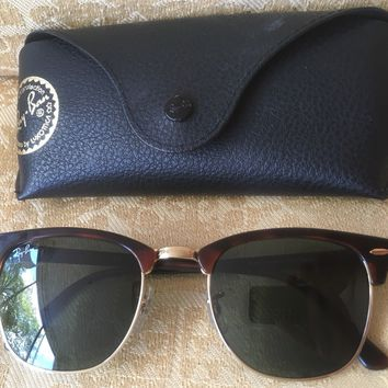 Ray Ban Clubmaster Classic Sunglasses Tortoise And Gold Frame MINT CONDITION