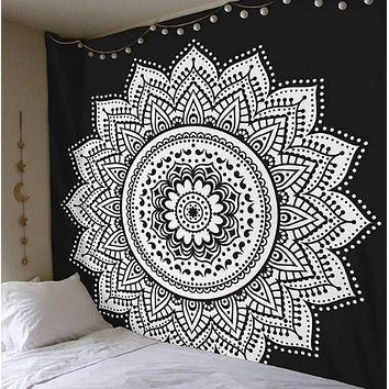 Black and White Tapestry 6.5 Ft x 4.5 Ft