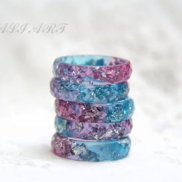 Ring resin, Transparent faceted ring, rainbow rings, Resin ring colored resin, Blue purple rings, silver flakes, Resin clear, Handmade ring