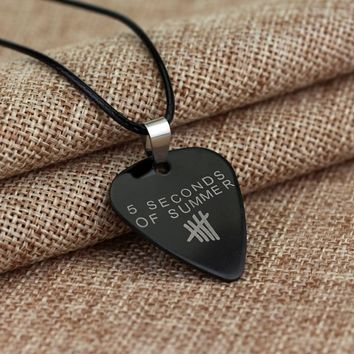 MQCHUN Music Band 5 Second of Summer Necklace Pendant for Fans High Quality Stainless Steel Guitar Pick Necklace