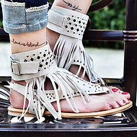 Fashion Hot Sales of Liushu Lou-toe Water Drill Herringbone Flat-soled Sandals Women's Shoes Only one pair White