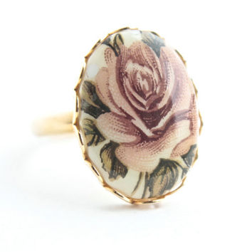Vintage Rose Ring -  1960s Adjustable Gold Tone Floral Costume Jewelry / Pink Ceramic