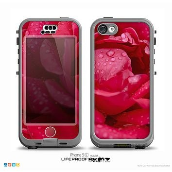 The Drenched Red Rose Skin for the iPhone 5c nüüd LifeProof Case