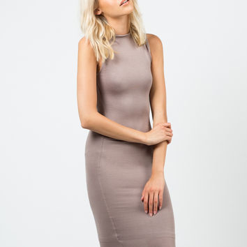 Classic Sleeveless Midi Dress - Large