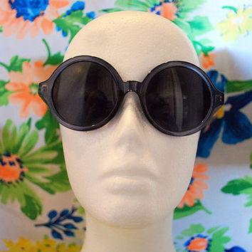 The Elton | Vintage Crystal Grey Circle Hippie Sunglasses Retro Round Glasses