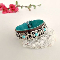 Hippy boho bracelet, turquoise silver leather wristband, ethnic leather bracleet