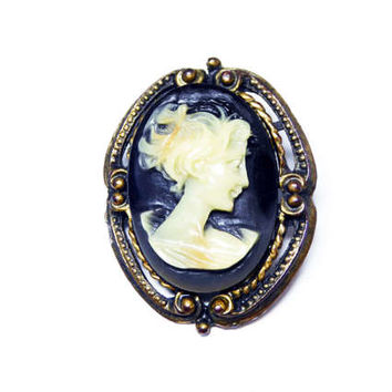 Black and White Cameo Brooch - Victorian Revival Oval Pin - Molded Lucite White Profile on Black Background - Womans Face - Vintage 1960's
