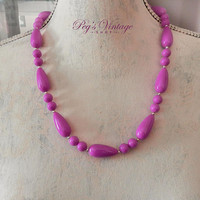 Vintage Pink / Purple Lucite Bead Necklace / Single Strand Summer Bead Necklace
