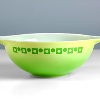 Pyrex Green Dot Squares Promotional Cinderella Bowl 4 Qt Size 444 / Mixing Bowls / Batter Bowls / Lime Green Pyrex Polka Dot Vintage Kitchen