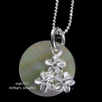 ROUND MOTHER OF PEARL SHELL SILVER 925 HAWAIIAN MOVABLE 3 PLUMERIA PENDANT