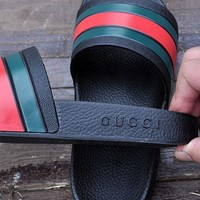 GUCCI classic striped color matching men and women casual beach slippers