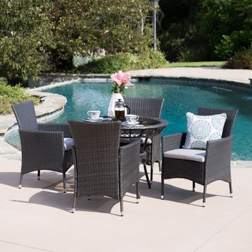 Kendsey Outdoor 5 Piece Gray Wicker Dining Set with Tempered Glass Table Top