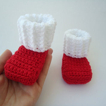 """Santa Claus booties, crochet socks, baby booties, baby accessories, baby shoes - For him and her - Newborn to 3 months - Up to 9 cm (3.5"""")"""