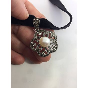 Vintage Real Marcasite and Genuine White Pearl 925 Sterling Silver dangle pendant Necklacde