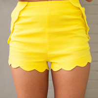 Scalloped Shorts Yellow