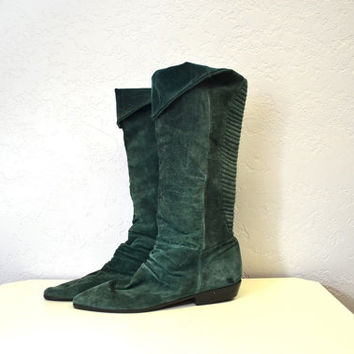 Suede slouch boots / forest green / vintage 1980s pirate boots / size 10