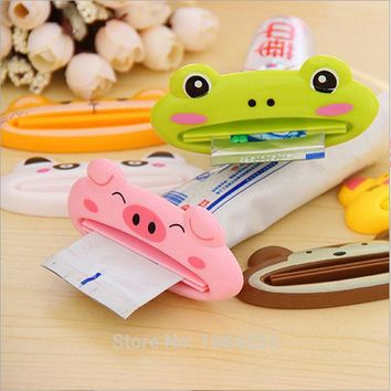 DCCKL72 1pcs Cute Animal multifunction squeezer / toothpaste squeezer Home Commodity Bathroom Tube Cartoon Toothpaste Dispenser