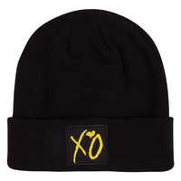 BEAUTY BEHIND THE MADNESS XO LOGO PATCH BEANIE
