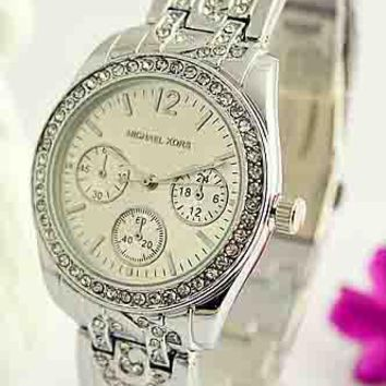MK Fashion Trendy Elegant Quartz Watch for Men and Women F-Fushida-8899 Silver