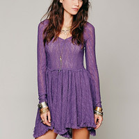 Long Sleeve Flounce V-Neck Lace Dress