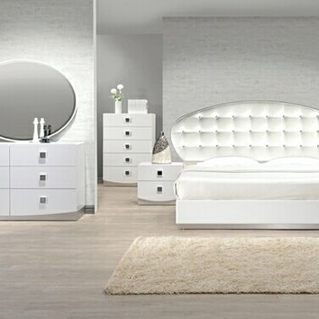 4 pc France White lacquer finish wood modern style Queen bed set with silver accents and button tufting