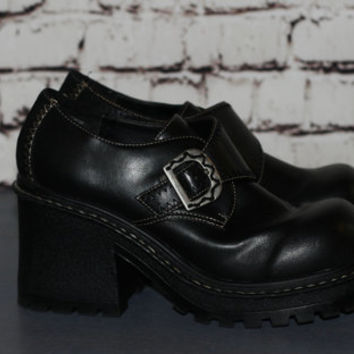 90s chunky Boots black vegan leather platform shoes oxfords metal buckle / grunge hipster cyber goth gypsy boho festival us 8 1/2 8.5 ankle