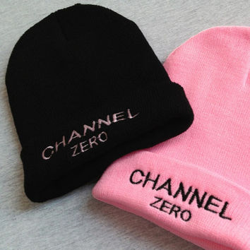 CHANNEL ZERO Embroidered Knitted Fashion Warm Beanie Womens Winter Warm Black & Pink Cuffed Skully Hat