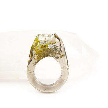 Terrarium + Silver Leaf Resin Ring • Size 5 • Geometric Terrarium Ring • Science Specimen Ring • Nature Moss Eco Resin Ring