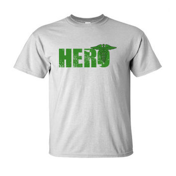Paramedic Hero - Ultra-Cotton T-Shirt
