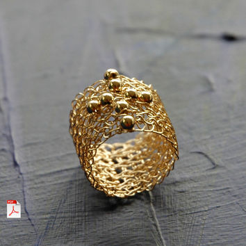 Wire crochet Cross Ring PDF pattern - Learn how to crochet a gold ring witha cross ebook