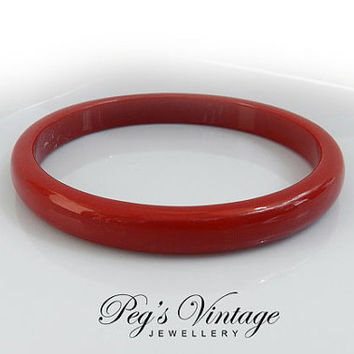 Vintage//Retro Red Lucite Bangle//Bracelet, Vintage Costume Jewelry