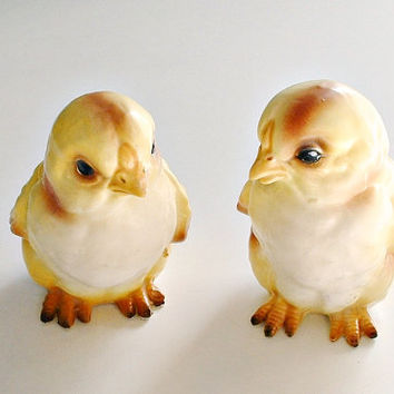 Lefton Chick Figurines Vintage 1960's Easter Spring Decor  Made In Japan Set of 2