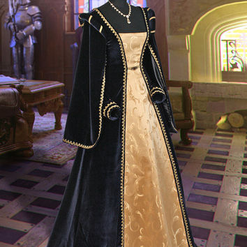 "Classical Medieval Tudor Gown ""Queen of Spain"" No. 5 Dark Blue"