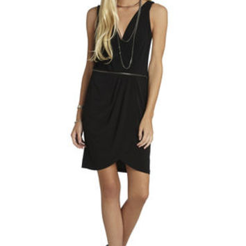 Low-Neck Tulip-Skirt Dress in Black - BCBGeneration