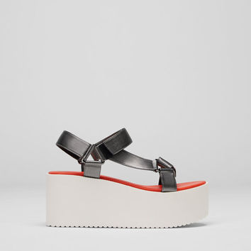 Fashion wedges - New - Woman - PULL&BEAR United Kingdom