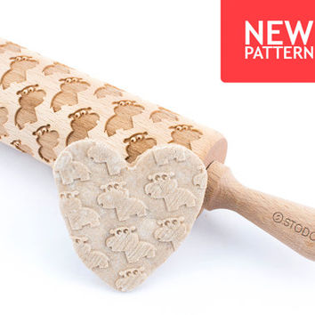 Funny hippo - Embossed, engraved rolling pin for cookies