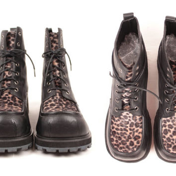 90s chunky lace up boots // faux leopard accents // size 10