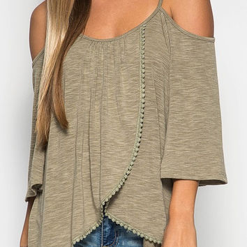 KNIT OPEN SHOULDER TOP