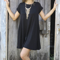 Poppy Hills Black Scoop Neck Short Sleeve Trapeze Dress With Pockets