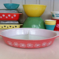 Pink Pyrex daisy divided serving dish!!