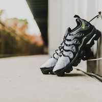 Nike Air VaporMax Plus (Black/Volt-White)