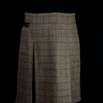 Womens Tweed skirt by Barbour - Brown check tartan plaid tweed pleated skirt - UK Size 18 - Adjustable buckle and zip fastening with button.